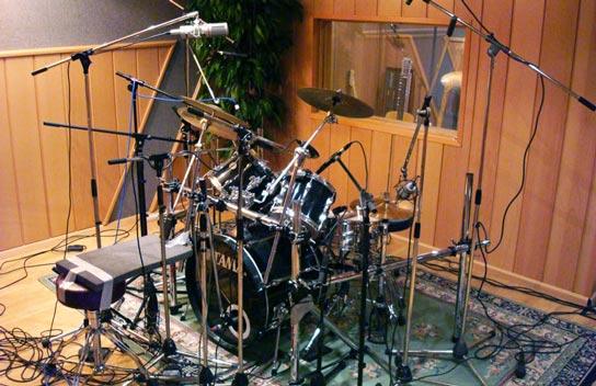 Akoestisch drums opnemen bij Mediasaloon